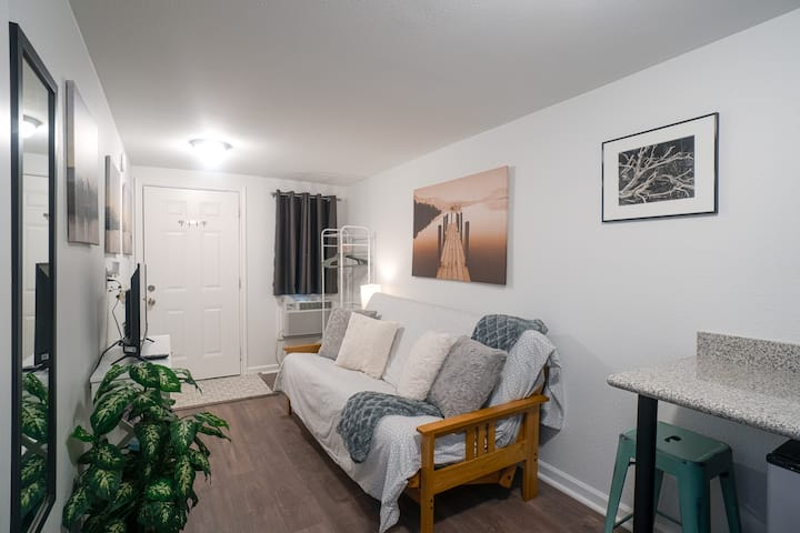 Remodeled Apartment with all the comforts of Home