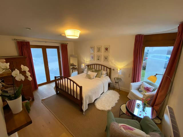 Luxury Bedroom Suite, MountainViews, Burren