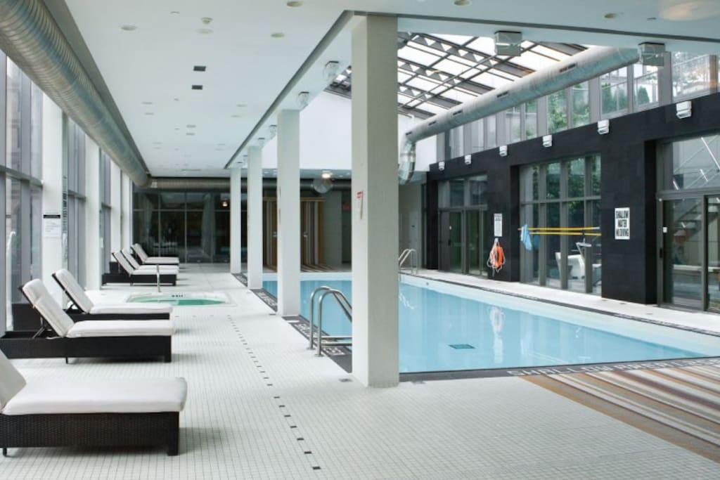 Condo pool and hot tub