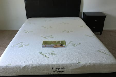 Queen bed and memory mattress room2 - Goleta - Wohnung