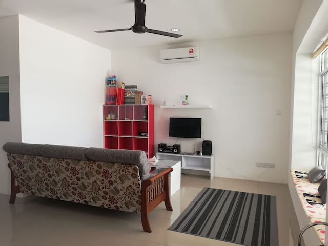 Yooya Homestay Triple Room for Rent