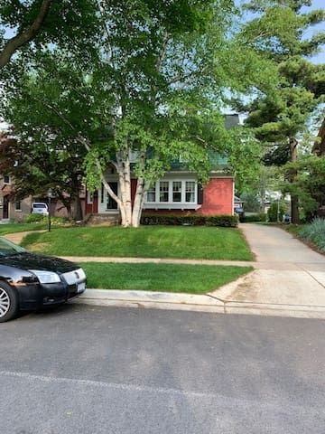 3 Bedroom house in the heart of Wauwatosa.