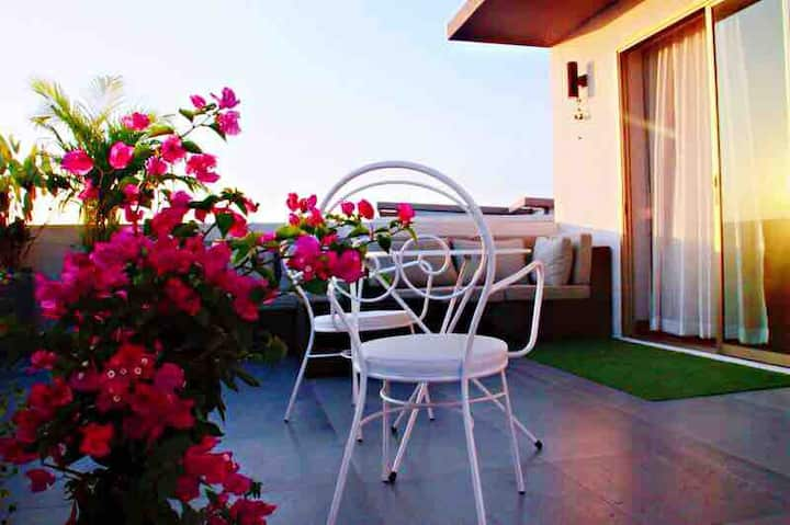 Sky villa 带独立花园的亲子家庭套房,阳光充足视野开阔Free breakfast 中文房东