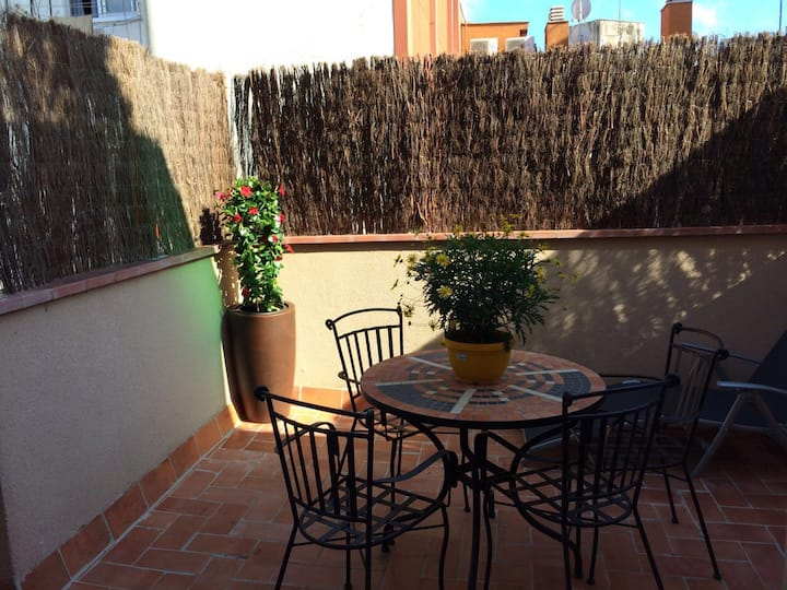 Penthouse with terrace. 3 min from Metro Station