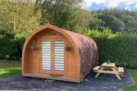 Cosy Glamping Pod in Heart of Snowdonia Park