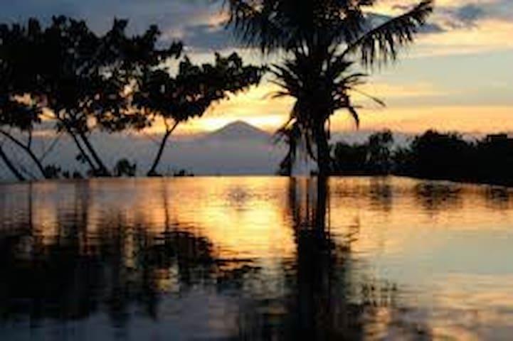 Paradise pool villa + sunset volcano & ocean views - Batu Layar - Vila