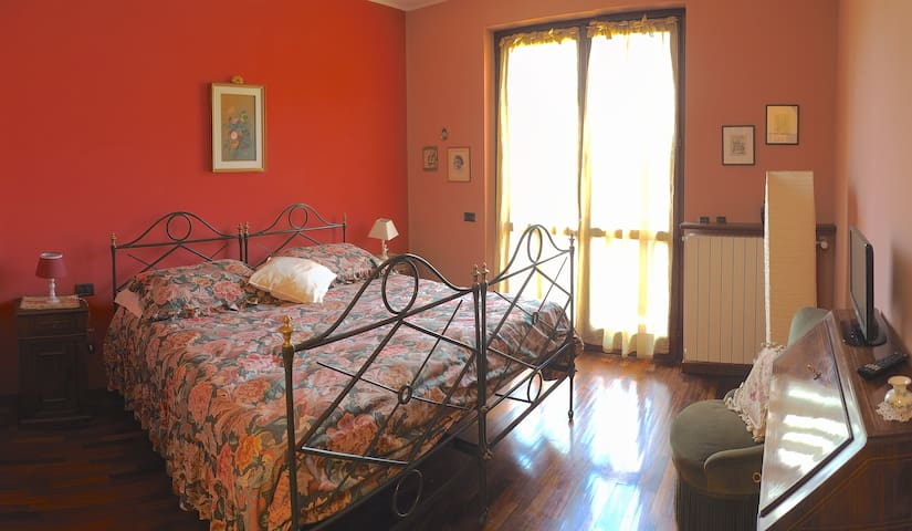 Ca' Rosa B&B  -  Camera Luisa - Malnate - Bed & Breakfast