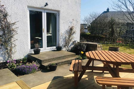 25 Mansefield Road, Port Ellen, Isle of Islay