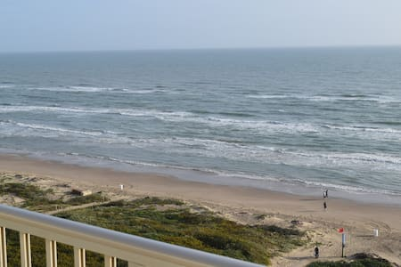 BEACHFRONT 2 BR CONDO 9TH FLOOR SPI - South Padre Island - Huoneisto