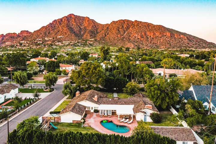 *RELAX* | Expansive Estate w/ Pool & Mtn Views! ❤ Agave by AvantStay