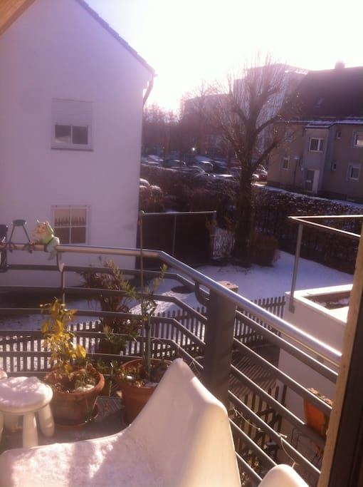 Das ist dein Blick von Deinem großen Balkon nach Osten.