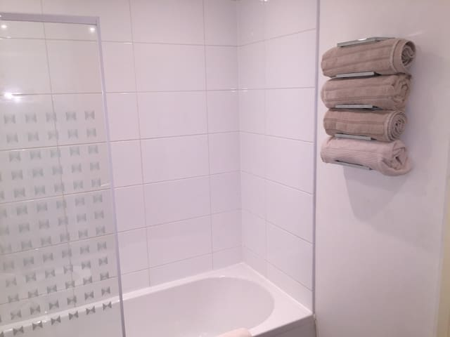 Liverpool Apartment close to Airport - Garston - Daire