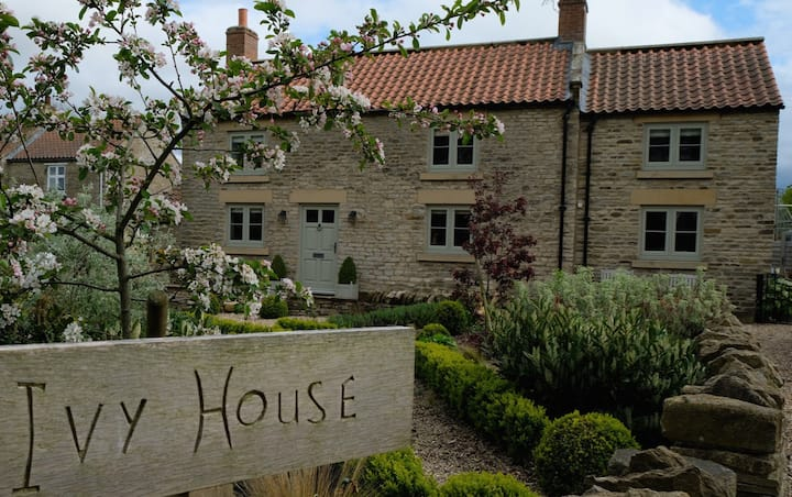 Ivy House, North Yorkshire~Luxury~4 Guests & Pets