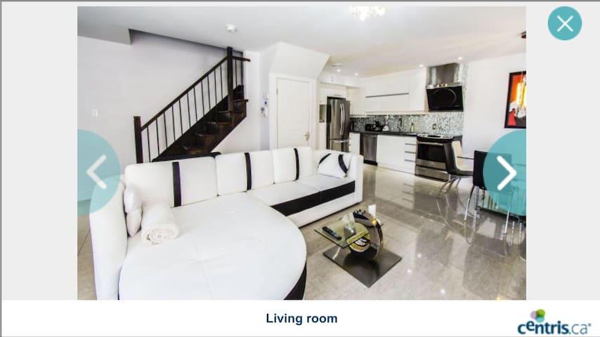 Luxurious 2 floors condo of 1200sqf