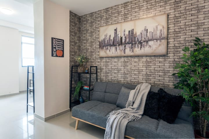 ★★★★★NEW YORK STYLE 2-BR @55KALAYAAN near QC Hall