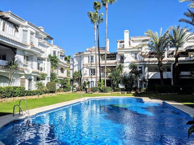 Los Naranjos, Marbella