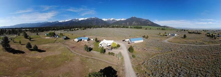 Elkhorn Mountain View Getaway