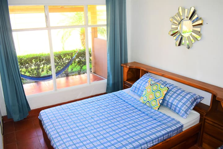 Paraiso Central Jaco  1 blk from beach Best value!