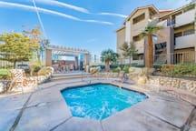 Stylish Vegas strip area condo - heavenly comfort