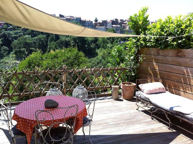 VILLA, 4/6p terrasse sud, piscine dans le domaine.
