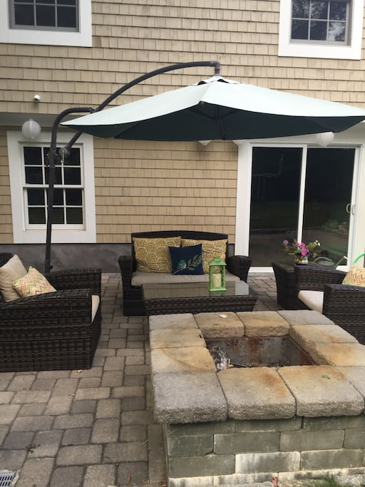 Patio lounge and fire pit