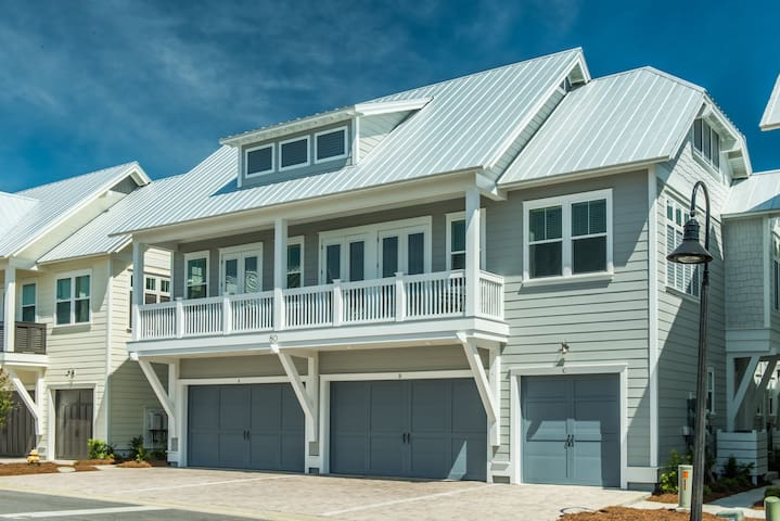 Gorgeous☼2BR The Wright Place☼30A- Nov 22 to 24 $532 Total! Prominence- Pool