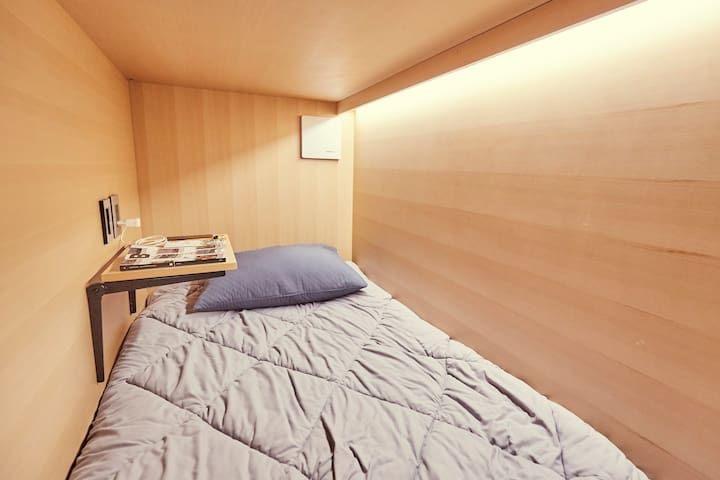 *MALE's ROOM* [Capsule bed] UNIQUE in Seoul!