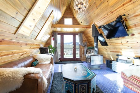 Enchanted Continental Divide Cabin