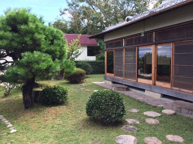 Room (No.4) in a retro residence - Tarumi, Kobe
