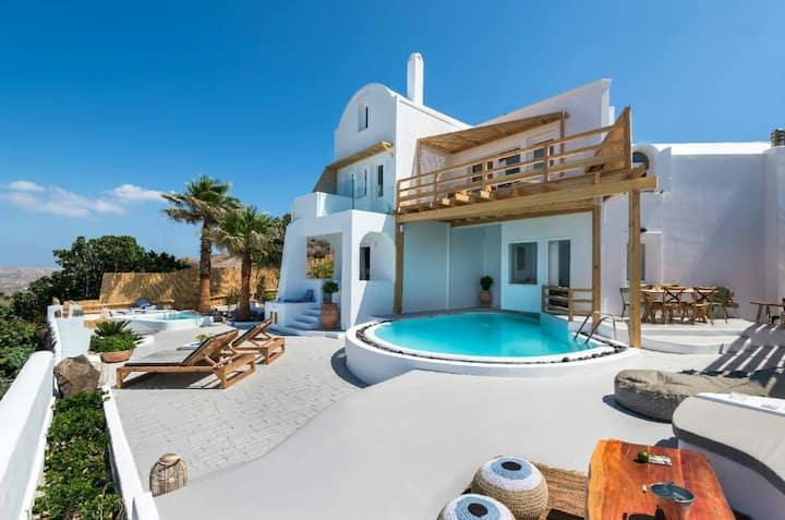 Summer Lovers Villa Pool & Panoramic Caldera View