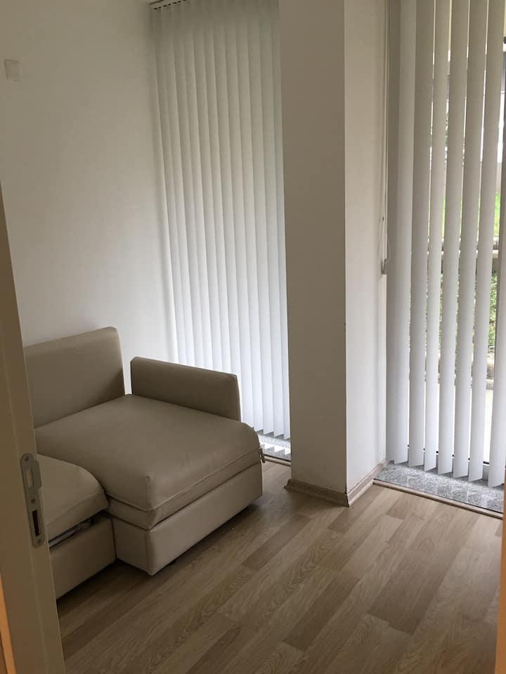 2 oda 1 salon modern döşeli daire