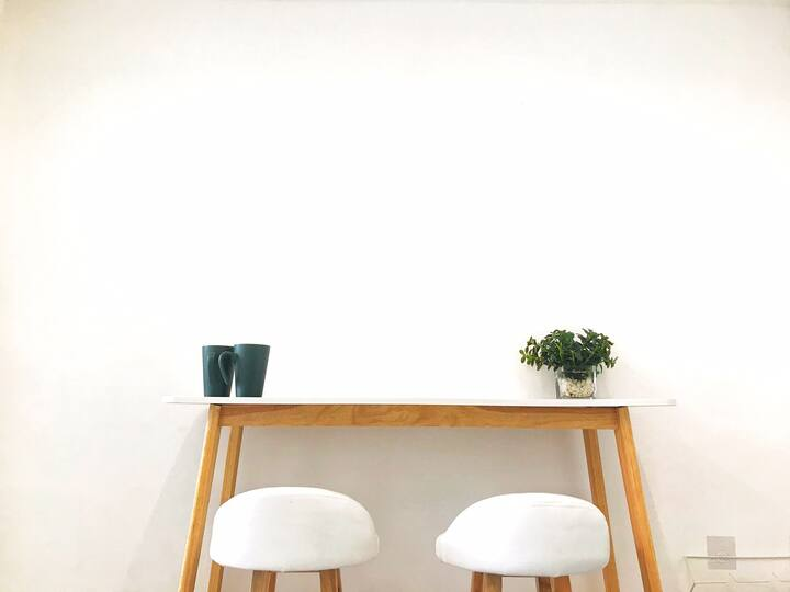 Chill Sunny Studio w/Netflix 😌🖥  開放式公寓(8分鐘到太子奧運)