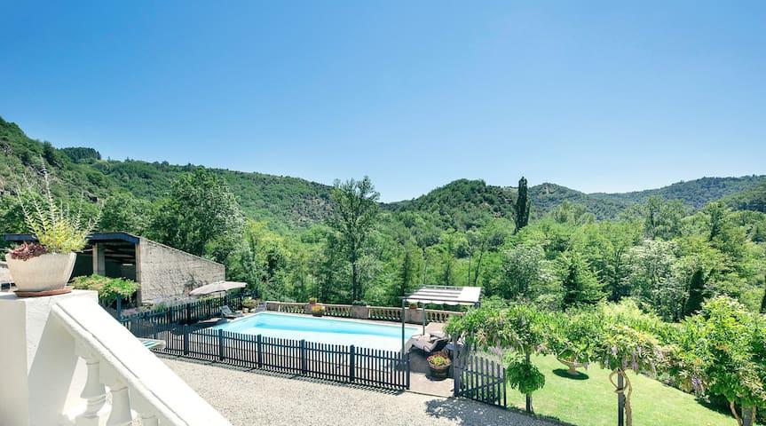 Spacieux appartement au cœur de l'Ardèche verte
