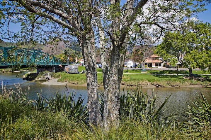 Riverside Villa - Nelson City Centre Holiday Home