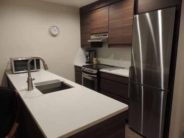 New kitchen with quartz countertop