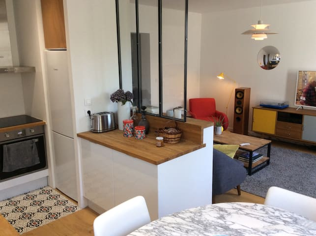 Central Ajaccio, bright and fully-equipped apt