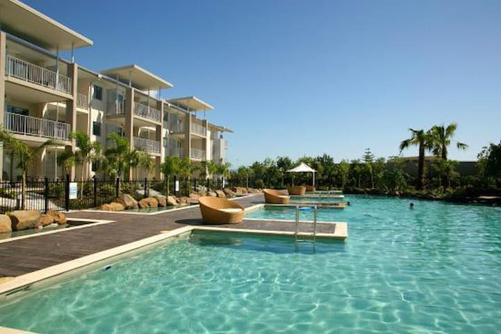 LAGOON POOL ACCESS PEPPERS SPA SUITE 2 BEDROOM - Kingscliff - Appartement