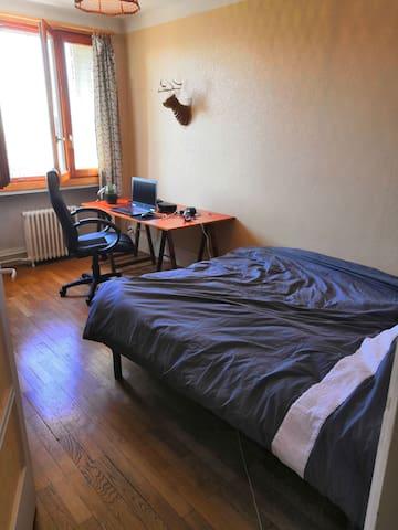 Appartement privé de 30m2 à côté de Léon Bérard