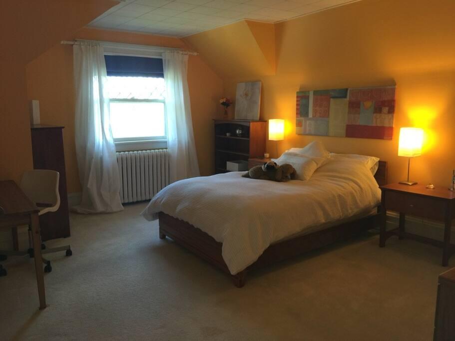 3rd. floor Double bedroom