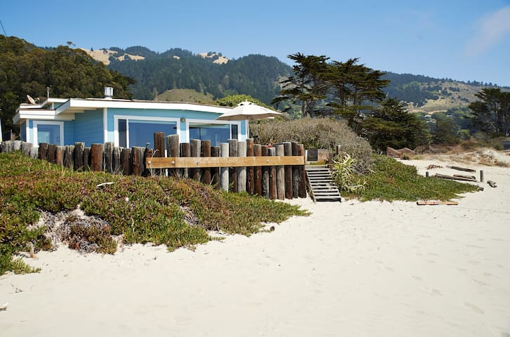 Comfortable updated vintage beach house