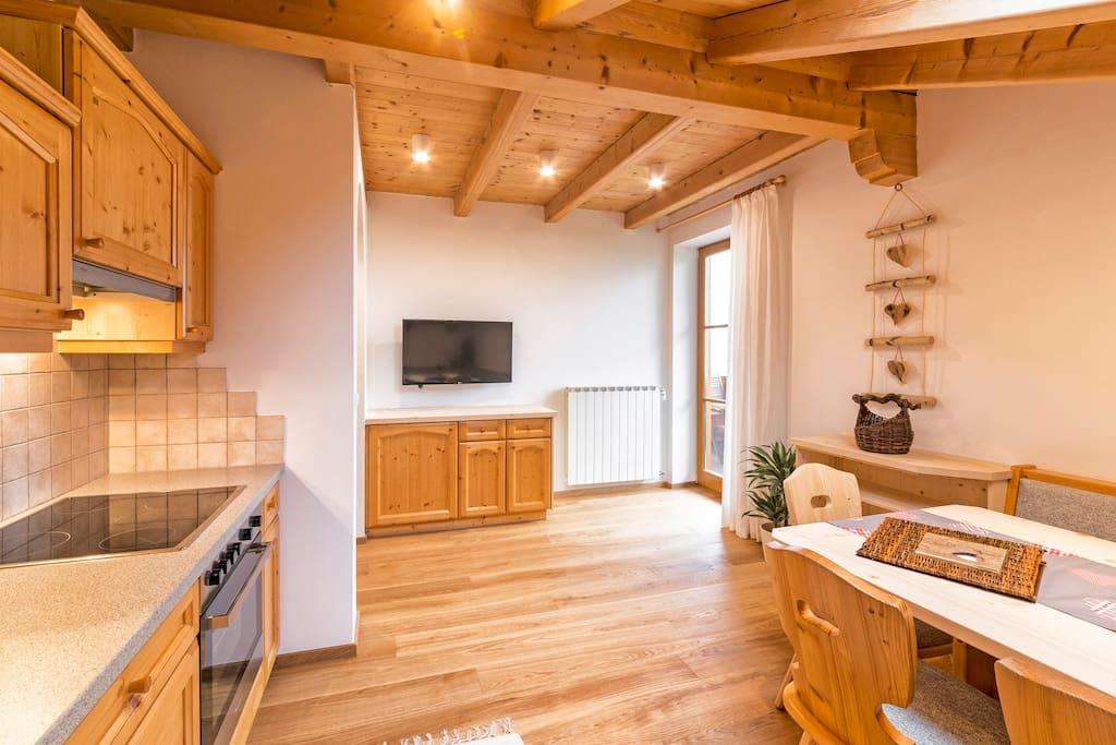 Appartamento edelweiss con due camere da letto for Capanna con 4 camere da letto