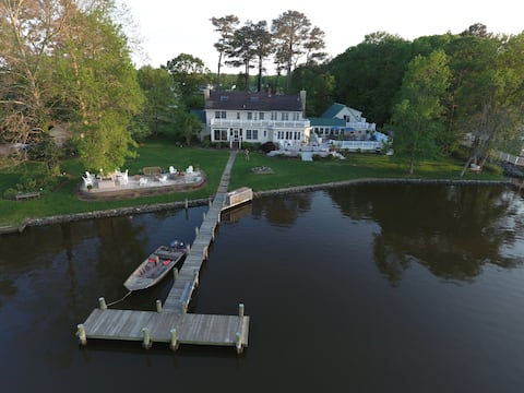 Dirickson  Creek Waterfront Apartment