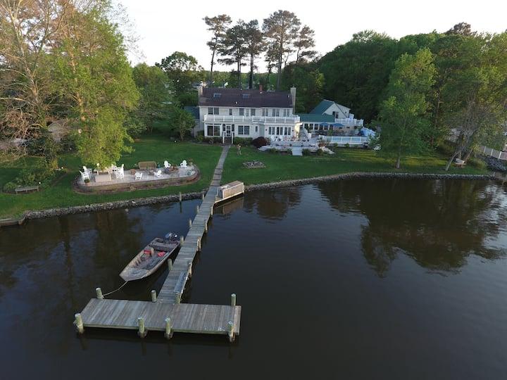 Dirckson's  Creek Waterfront Apartment