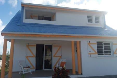 Villa Corossol - GP - บ้าน