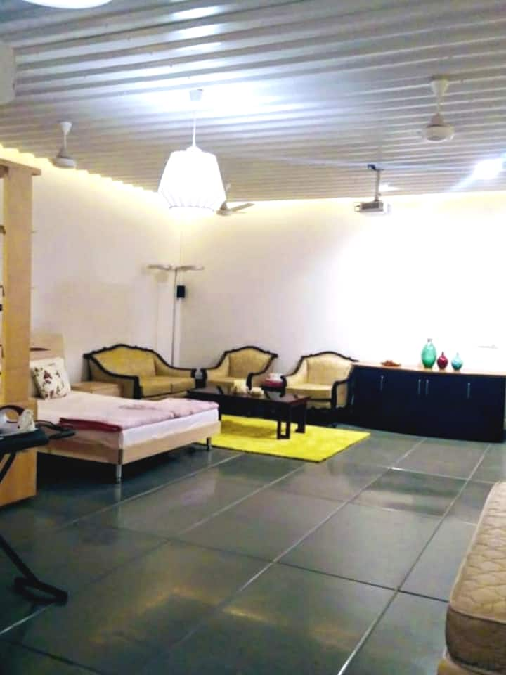 5Star Independent Studio in South Delhi Nblock GK1