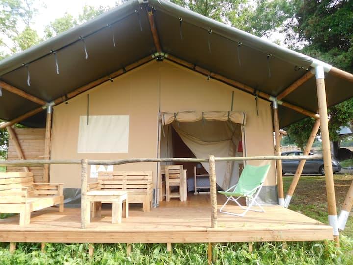 Tente Safari proche d'Eymet