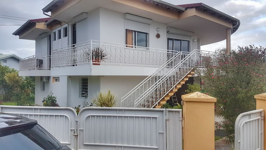 Appartement Bas de Villa au coeur du Papillon - Baie Mahault - Leilighet