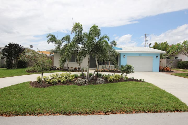 Completely Remodeled 3/2 Pool Home
