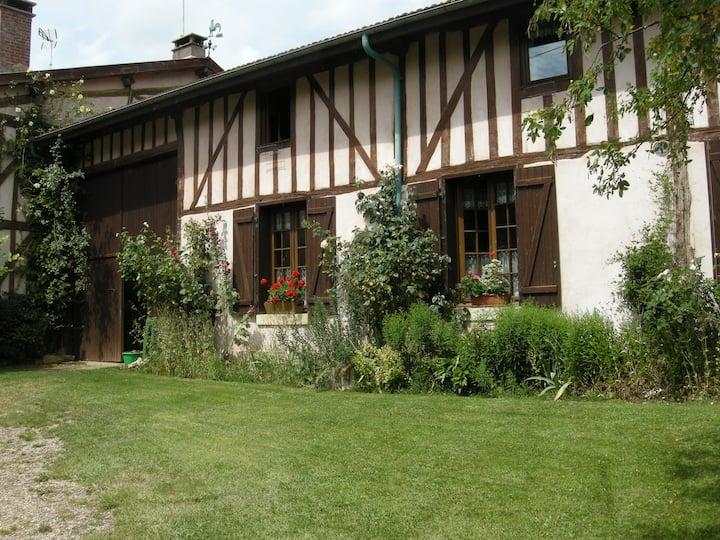 Beautiful XVIIIe half-timbering farm house