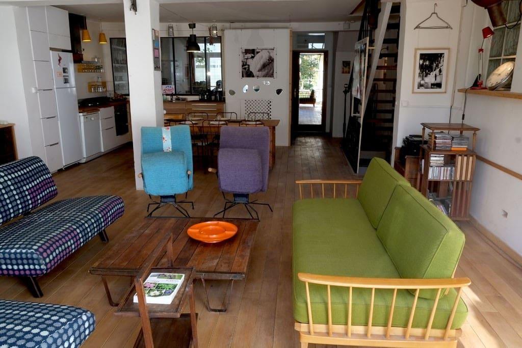 la pièce à vivre vue de la terrasse